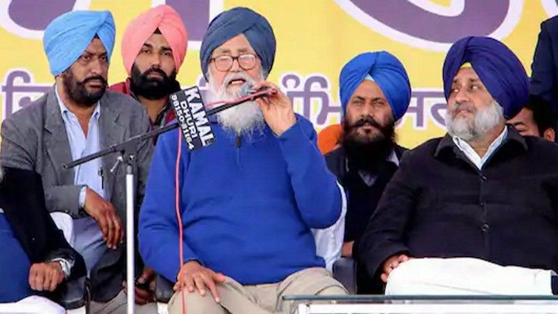 'Between Devil & Deep Sea': Amarinder Mocks Badals